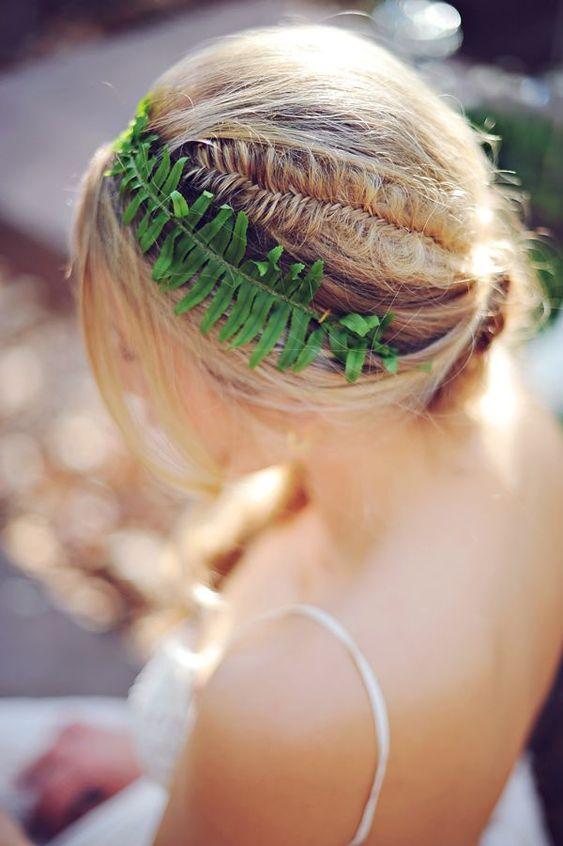 Fresh Green Sword Fern Bridal Hair Décor