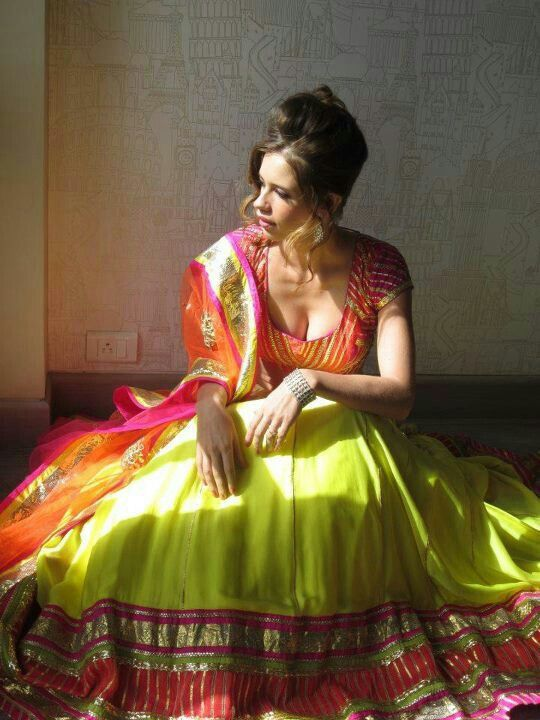 designer lehenga choli online collection