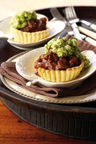 Karoo-lamspastei met ertjie-kapokaartappels | SARIE | Karoo lamb pie with pea mash