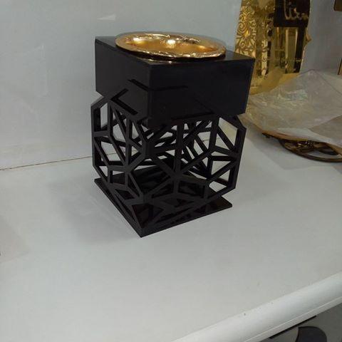 ليزر ارت جديد أعمالنا تصميم و تنفيذ مبخرة اكريليك مع إمكانية تغيير لون الاكريليك الرياض مبخرة مباخر اكريليك م Diy Perfume Rose Perfume Bone Inlay