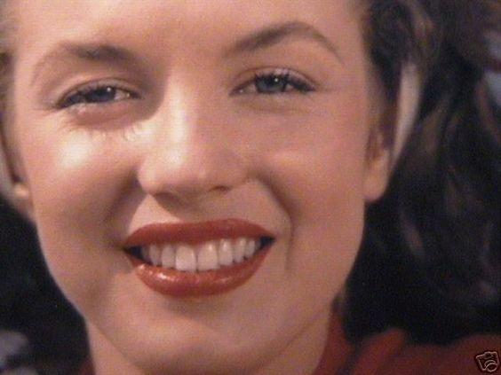 Norma Jeane photographiée par André De Dienes en 1945 .