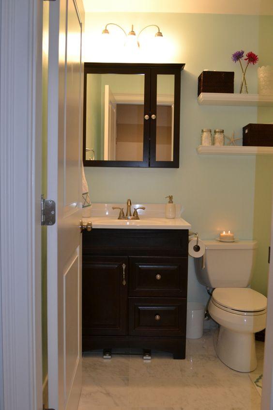 Decoracion de ba os peque os y sencillos buscar con google bathroom pin - Decoracion de banos sencillos ...