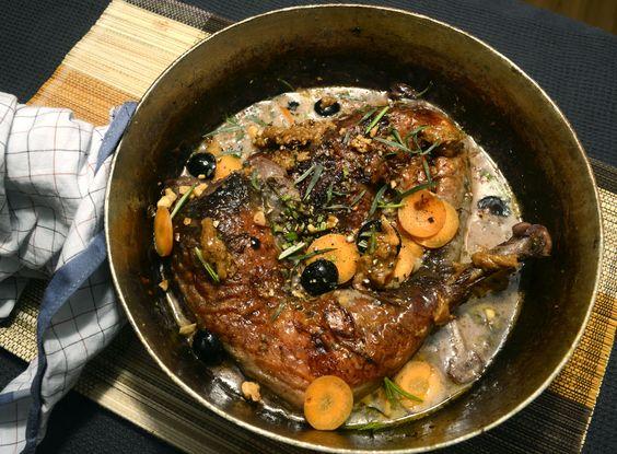 Perlhuhn in Trauben Walnuss Sauce mit Estragon