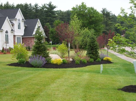 Country driveway garden ideas end of driveway for Large yard landscaping plans