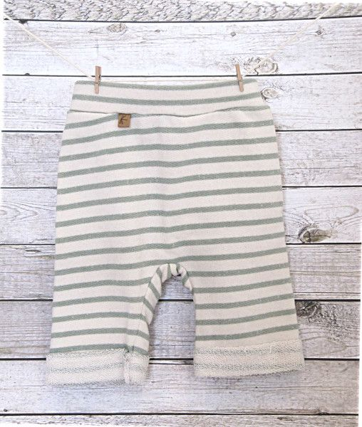 Hosen - 7/8 Shorts für kleine Weltentdecker, Gr. 68/74 - ein Designerstück von JeJoJu bei DaWanda
