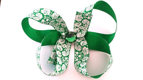 Hey, I found this really awesome Etsy listing at https://www.etsy.com/listing/198575473/boutique-hairbow-green-white-damask-hair