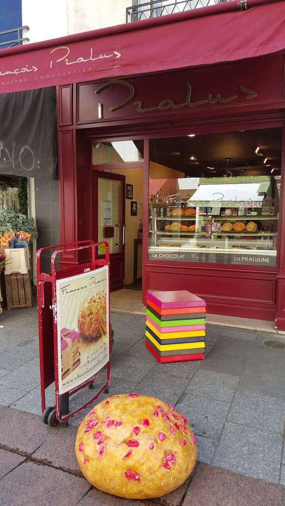 Porque tem de ir à Rua Cler, em Paris | Viaje Comigo