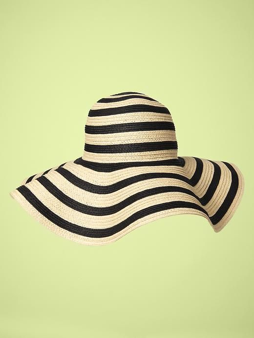 gap floppy sun hat... perfect for sunny days at the beach or out by the pool