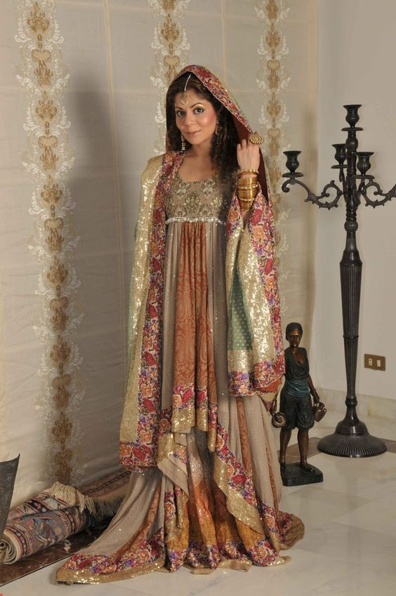 Pakistani Wedding Dresses | ... maintaining the traditional looks of the pakistani wedding dresses too
