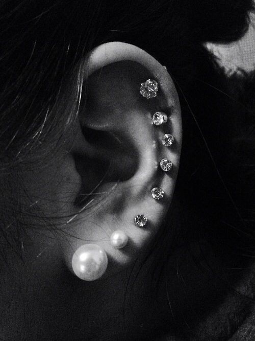 We love a girl with maximum room for jewels on her pretty lil' ears.
