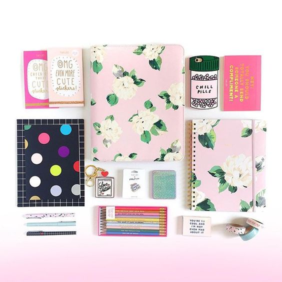 @shopbando guess what?! it's OMG FRIDAY over on our facebook page. this week, we're giving away one of our new GET IT TOGETHER folios and everything you need to fill it up! win all of this (aka a $407 value) and all you have to do is like the facebook post! like, that's sooooo easy. ✌️ #easypeasy #friyay 2016/08/27 01:21:48