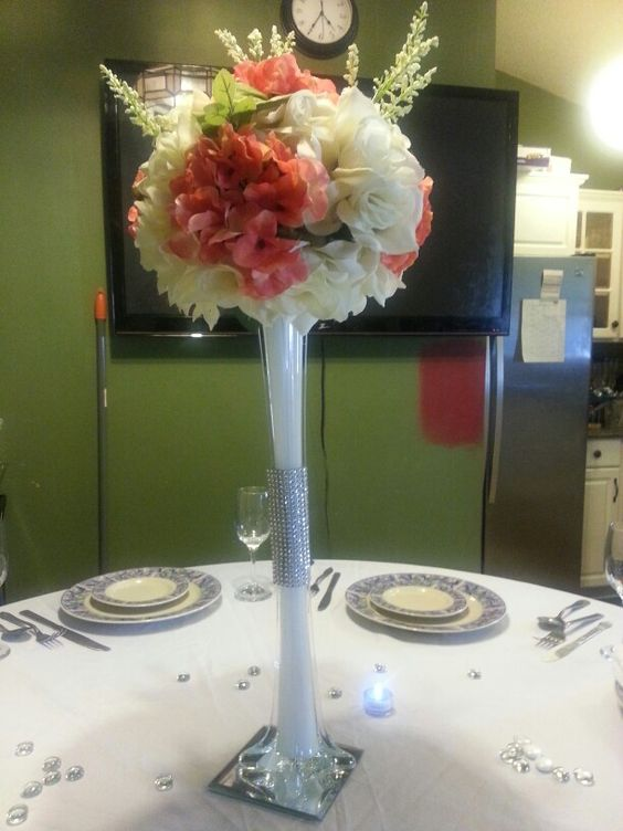 Wedding flower table