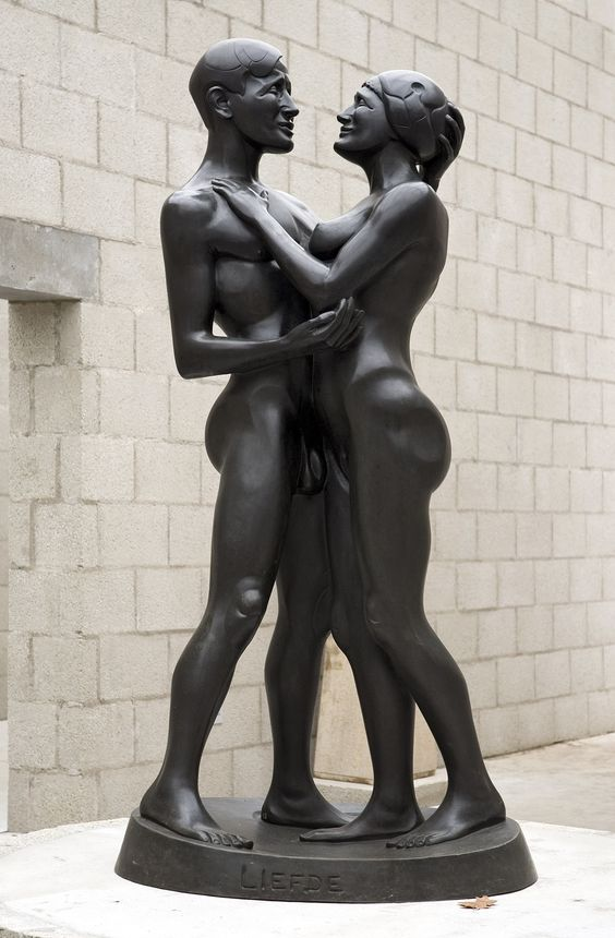 Happy Valentine! Especially for today; this loving couple. Helene Kröller-Müller asked Joseph Mendes da Costa to make this lifesized bronze sculpture Liefde (Love). Mendes considered it to be one of his best works. Joseph Mendes da Costa, Liefde/Love, 1917 #Valentine #Art #Sculpture #Krollermuller