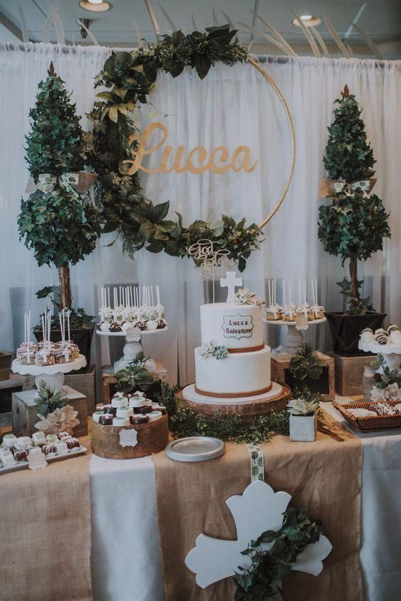 27 Rustic Wedding Decorations You Must Have A Look--wedding cake table with burlap table cover and greenery wreath, #baptismcake