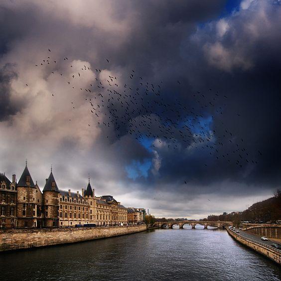 parisian skies by vaggelisf