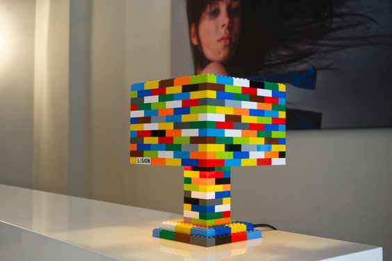 Farbenfröhliche Lego-Lampe // Colorful handmade Lego lamp // Lego-lamp