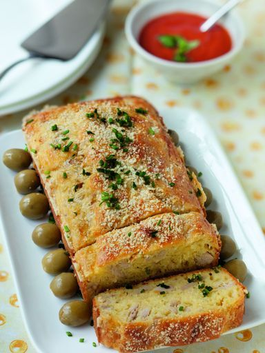 Cake au thon TESTE ET VALIDE mais diviser la dose d'huile d'olive et augmenter d'autant le lait