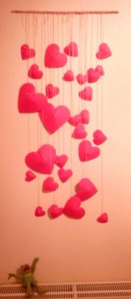 Paper 3d hearts on the wall
