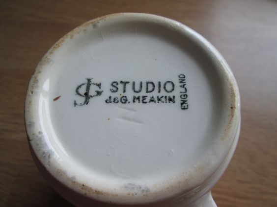 Standard backstamp used on the Studio 2 shape c.1964-1980s