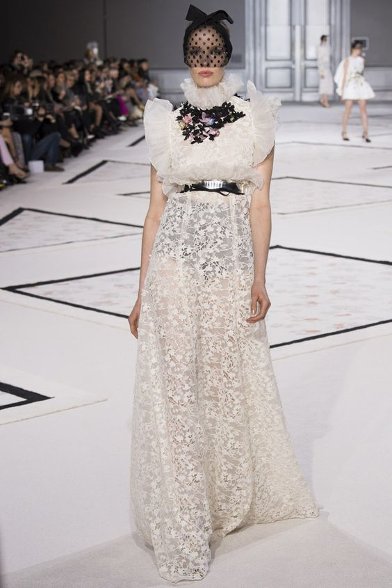 Giambattista Valli - Paris Fashion Week - Primavera Verano 2015 - Fashion Runway