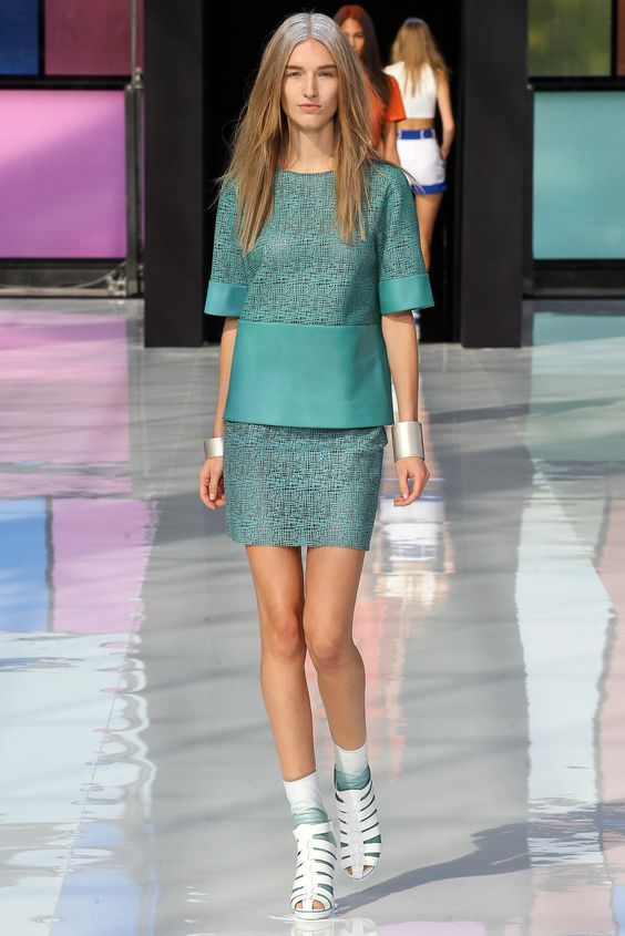 Maxime Simoëns | Spring 2015 Ready-to-Wear | 03 Green leather short sleeve top and mini skirt