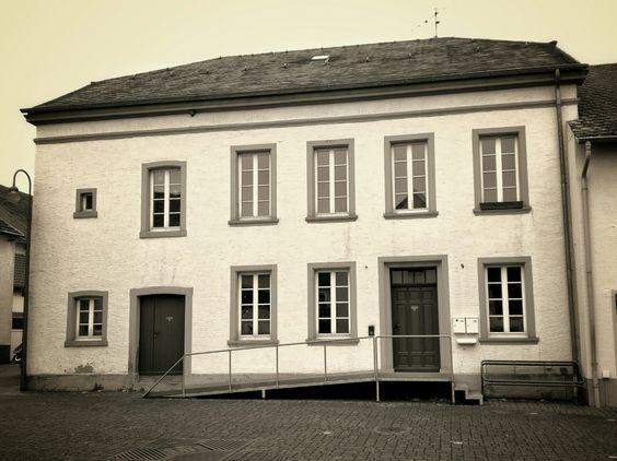 Altes ehemaliges Bauernhaus.