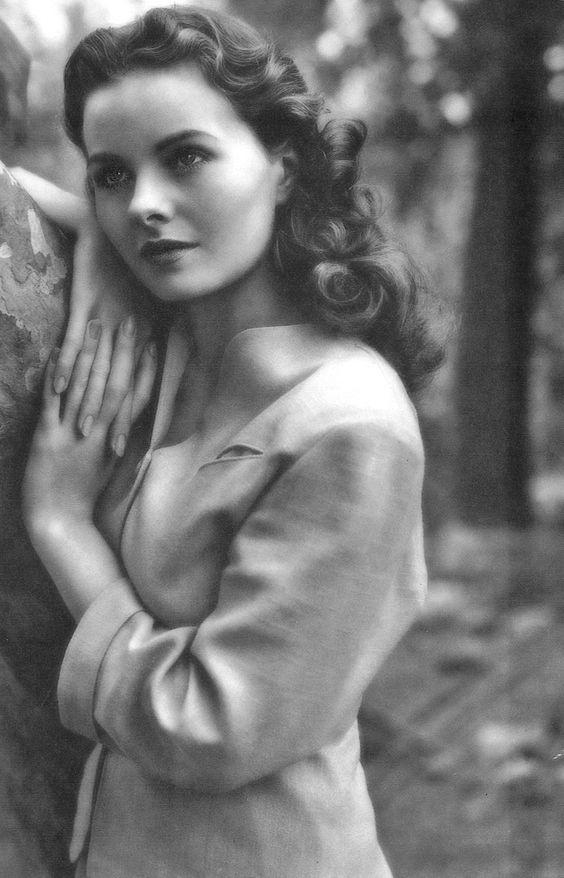 Jeanne Crain~beauty