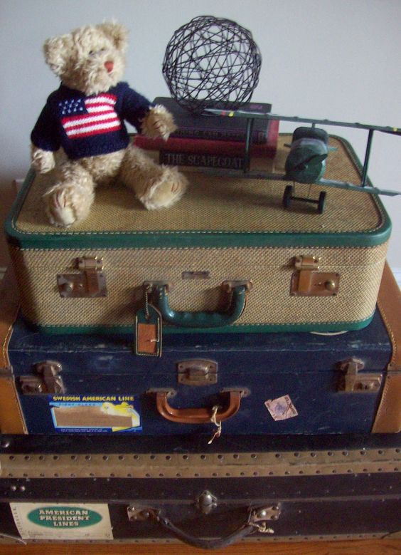 Beatrice Banks: Finding Vintage Suitcases