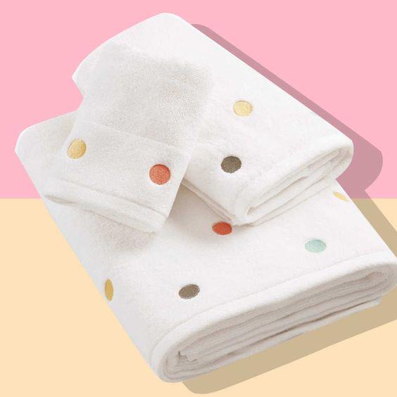 Best Washcloth Is the Binchotan Charcoal Body Scrub Towel