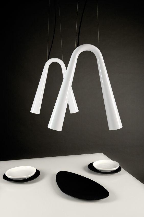 LED BELL H2 - Linee rigorose per una luce d'effetto.