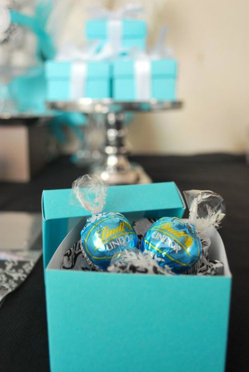 Cute Tiffany box table decoration with treats hidden inside!