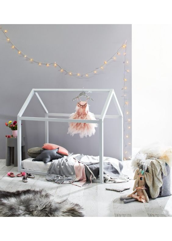 House bed and a pretty and girly room: