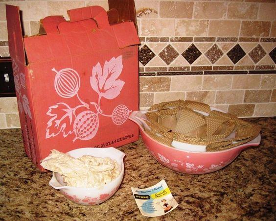 Vintage Set Of 4 Pink Pyrex Gooseberry Cinderella Nesting Bowls New In Org. Box #Pyrex