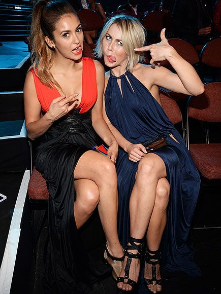 """Gotcha! VMAs Moments You Didn't See on TV 