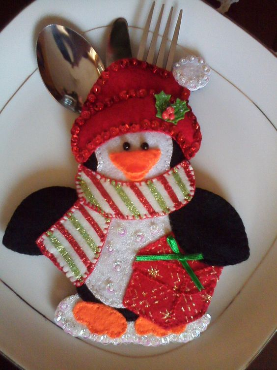 Porta cubiertos de ping ino navide o navidad pinterest for Centro de mesa navideno manualidades