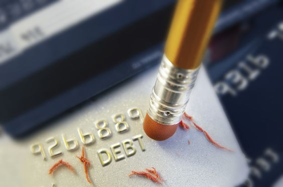How Fast Should You Pay Off Your Credit Card Debt? AS FAST AS HUMANELY POSSIBLE!! WORK EXTRA HOURS, SELL THINGS YOU DON'T USE, EAT RICE AND BEANS!! Do a debt Snowball #Daveramsey style!!