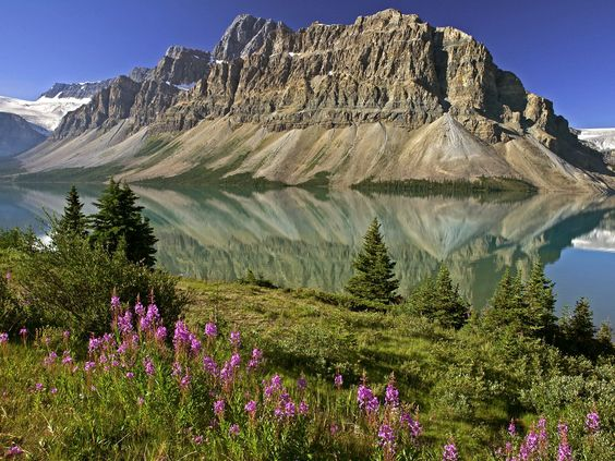 Banff National Park   Travel Destinations for this August – Banff National Park, Canada
