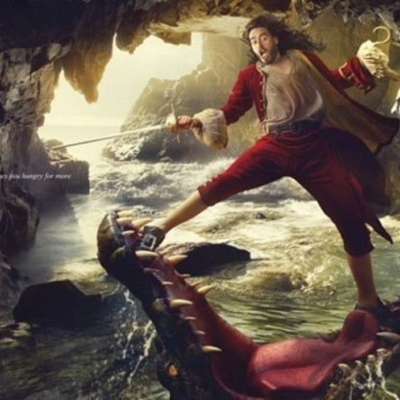 Hook kapitány-Russel Brand