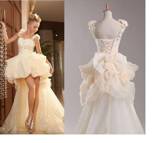 la vraie photo de destination avec fleur de faible à court robe de mariée avec un long train robes