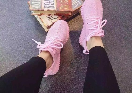 Sport Shoes 350 Yeezy Women Girls Lady Pink Purple Yeezy 350 Boost Brand New Yeezy 350 Women Casual Sneakers Running Sports Shoes Best Running Shoes For Men Shoes For Sale From Linwei156, $40.21  Dhgate.Com