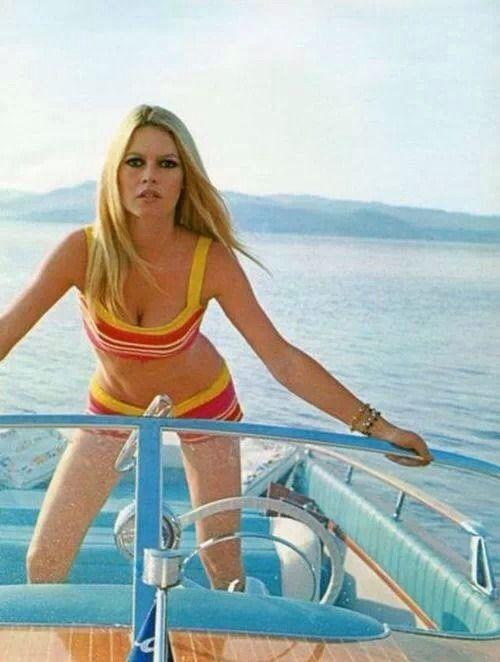 Brigitte Bardot. French Riviera. 60s summer style.