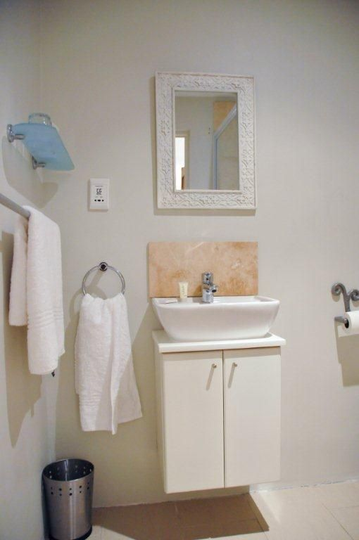 Self catering accommodation simon 39 s town cape town self for Bathroom designs cape town