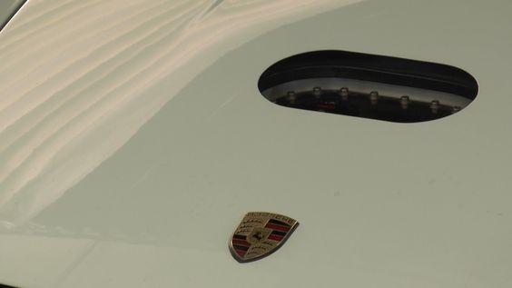 Taller de restauración sólo para clientes con autos clásicos de la marca.