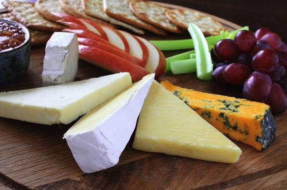Jetzt im Herbst ist ein Ploughman's Lunch das ideale Mittagessen. Was man dafür braucht, können Sie in unserem heutigen Blogeintrag entdecken. Haben Sie schon mal ein solches Gericht gegessen?