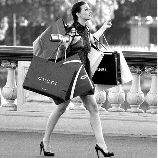 Quantas vezes você comprou algo e nunca usou se arrependeu ou achou que não caiu tão bem quanto você achou inicialmente? Você tem um guarda-roupas lotado e mesmo assim tem a sensação de que nunca tem roupa pra vestir? Conheça os serviços de Closet Clearing e Personal Shopper que vão mudar a sua forma de comprar economizando seu tempo e dinheiro!  Veja mais informações no site http://ift.tt/1ZUV6S9!: