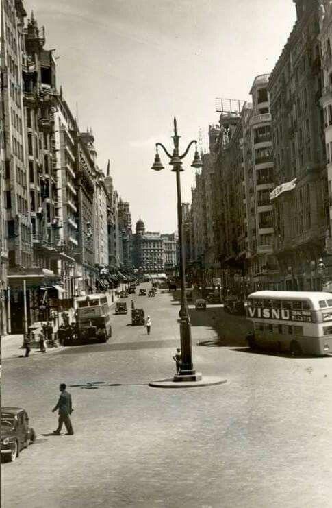 El tercer tramo de la Gran Vía en los años 50.