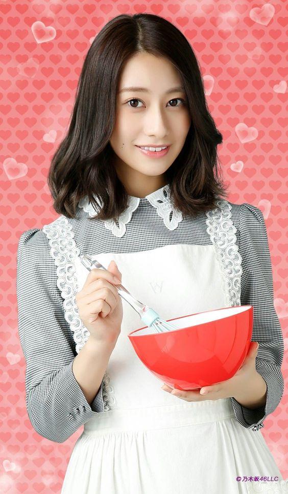 手作りチョコを作る桜井玲香のかわいい画像