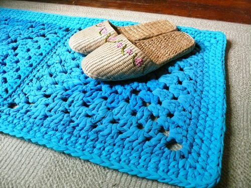 Debajo un botón:  Crochet Rug with T-shirt Yarn