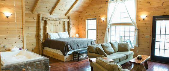 AMISH COUNTRY LODGING - Enjoy one of a kind lodging in Berlin Ohio. TripAdvisor #1 rating! Escape to a tree house with Jacuzzi tub, fireplace, full kitchen & private deck.