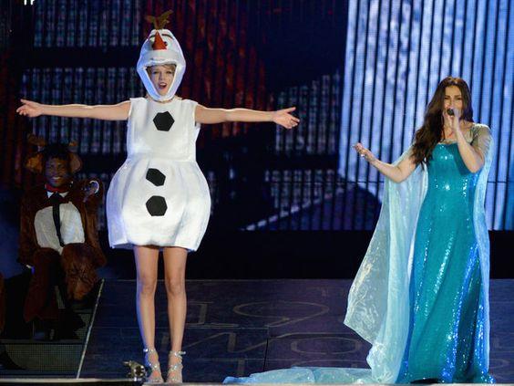 テイラー・スウィフト(Taylor Swift),イディナ・メンゼル(Idina Menzel)のためにオラフに!